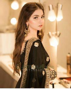 Pakistani Party Hairstyle, Pakistani Fashion Party Wear, Pakistani Wedding Outfits, Bridal Outfits, Pakistani Formal Dresses, Pakistani Dress Design, Pakistani Bridal Dresses, Designer Party Wear Dresses, Indian Designer Outfits