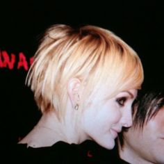 another darling short haircut (Ashlee Simpson's hair is always awesome!)