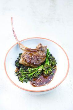 Lamm-Chops mit Sprossenbrokkoli