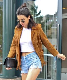Kendall Jenner Photos - Kendall Jenner Is Seen Out and About in New York - Zimbio Kendall Jenner Photoshoot, Kendall And Kylie Jenner, Rocker Chic, Kardashian Jenner, Fashion Models, Style Fashion, Summer Outfits, Mini Skirts, Vogue