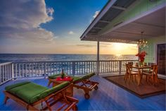 Kona Oceanfront Cottage - Kona Moana Hale - Vacation Rentals in Kailua-Kona, Island of Hawaii - TripAdvisor  Our recent Kona vacation here was amazing.  This lanai is where we watched the sunset every night.