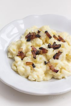 Cuketové halušky s bryndzou Cooking Recipes, Healthy Recipes, Russian Recipes, What To Cook, Macaroni And Cheese, Food And Drink, Healthy Eating, Low Carb, Vegetarian