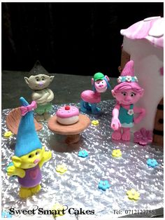 Fondant Figures, Cupcake Toppers, Icing, Cake Decorating, Cakes, Food Cakes, Pastries, Torte, Cookies