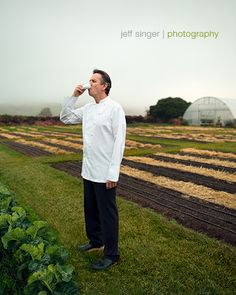 Thomas Keller in The French Laundry garden. Yountville, Cali.... where the amazing story begin to unfold.  A great personal and business story.  Many lessons to learn from this gentlemans perseverance.