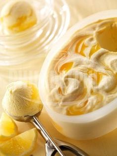 Krémová pomerančovo - citronová zmrzlina - Dezerty - recepty - Sýr Philadelphia Ice Cream Flavors, Ice Cream Recipes, Parfait, Sorbet, Philadelphia Recipes, Fruit Preserves, Ripe Fruit, Milk And Eggs, Best Ice Cream