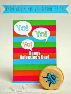 Adorable free Printable Yo-Yo Valentine's Cards! A perfect classroom treat idea! #valentinesday #freeprintable