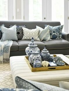 A small living room can offer a couple of layout challenges, but with the right design ideas, small rooms can be changed to create splendid living areas. See our best living room design that can give you the best inspiration ! Small Living Rooms, Living Room Designs, Living Room Decor, Modern Living, Decorating Coffee Tables, White Decor, Modern House Design, Home Interior Design, Decoration