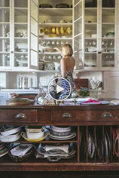 Kitchen Interior Design Edith Wharton's Newport Summer Home - The Glam Pad - amazing kitchen Classic Kitchen, New Kitchen, Vintage Kitchen, Kitchen Decor, Kitchen Ideas, Kitchen Planning, Victorian Kitchen, Funny Kitchen, Cheap Kitchen