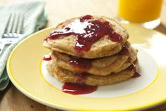 Love the taste of PB but want to try it in something other than just a regular PB? Then Skinny Mom has the perfect article for you: 5 Twist on PBJ! Like the recipe pictured on the pin, Healthy PBJ Pancakes! Healthy Breakfast Recipes, Gourmet Breakfast, Pancake Recipes, Healthy Breakfasts, Breakfast Time, Breakfast Ideas, Good Food, Yummy Food, Whole Foods Market