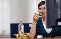 Die 10 besten Diät-Tipps fürs Büro - Die Diät würde so gut laufen - wenn da der Job nicht wäre. Immer hat jemand Geburtstag, die Mittagspause ist der reinste Spießrutenlauf zwischen den verschiedenen Fast Food...