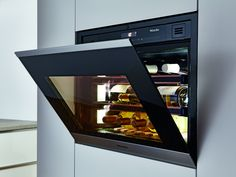Miele's new Niche handless wine conditioner unit allows more options and variations fitting perfectly in banks of ovens and coffee machines. With touch to open functionality it adds to the handless product portfolio Miele has to offer.