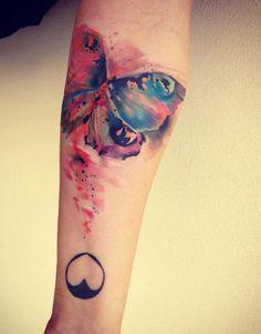 tatuagem de borboleta em aquarela #butterflytatto #watercolortatto                                                                                                                                                                                 Mais