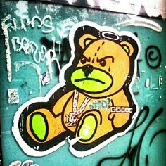 Gangsta bear #streetart #graffiti #barcelona