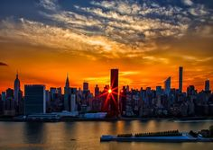 Marvelous #Manhattanhenge sunset yesterday in #NYC