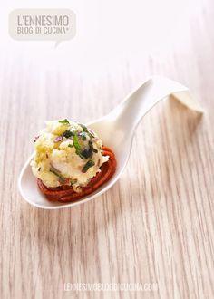 Amuse-bouche di panzanella alla menta (one bite of bread and mint)