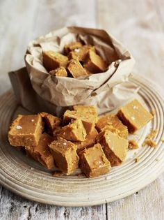 Salted caramel fudge. Definitely going to be trying this one. #Recipe #Dessert #FallRecipe