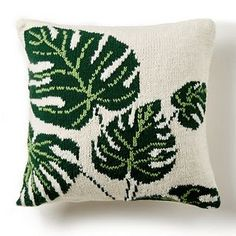 Yarnspirations is the spot to find countless free intermediate knit patterns, including the Bernat Tropical Leaf Knit Pillow. Leaf Knitting Pattern, Intarsia Knitting, Easy Knitting Patterns, Free Knitting, Stitch Patterns, Crochet Cushion Cover, Crochet Cushions, Crochet Pillow, Tapestry Crochet