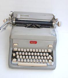 Royal typewriter - deals on 1001 Blocks