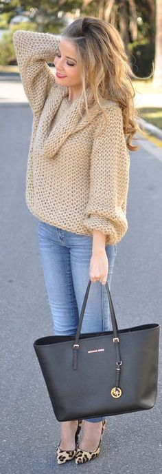 Outfit Ideas: You simply cannot go wrong with leopard pumps. (Beige Oversize Knit Turtleneck by Te Cuento Mis Trucos. Moda Fashion, Diy Fashion, Fashion Looks, Fashion Outfits, Runway Fashion, Style Fashion, Fashion Ideas, Cheap Michael Kors, Michael Kors Outlet