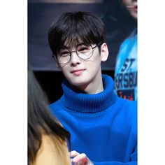 Yah his glasses. Cha Eun Woo, Korean Star, Korean Men, Astro Wallpaper, Wallpaper Lockscreen, Cha Eunwoo Astro, Kim So Eun, Lee Dong Min, Kim Bum
