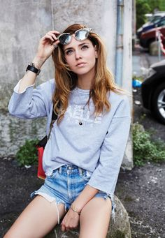 Chiara Ferragni in Levi's 501 cutoff shorts