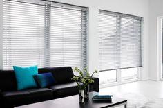 Wnętrza, piękne wnętrza, zasłony, dekoracja okna, MK Studio z Warszawa http://www.mkstudio.waw.pl/systemy-elektryczne.html
