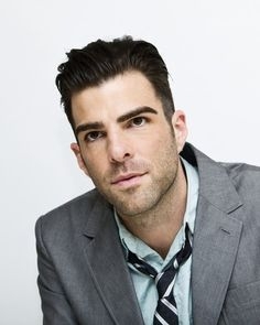 Zachary Quinto. Without the bangs and those weird eyebrows, he's so... <3