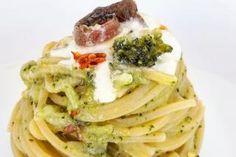 FidelityHouse Pasta Con Broccoli, Spaghetti, Risotto, Meat, Chicken, Ethnic Recipes, Food, Lasagne, Meal