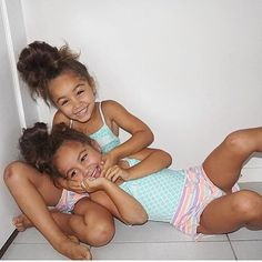 // happy saturday✌️ @brookeiseppi @rusklboii #drotinitwins #twins #cuties #happysaturday