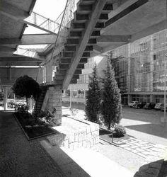 servizi sanitari di via jervis - ivrea - luigi figini e gino pollini - 1955 - scalinata / stair