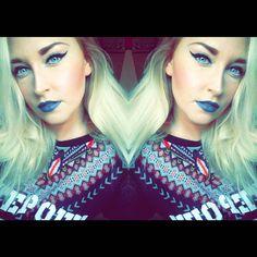 """Hier noch ein anderes Bild mit dem Liquid Lipstick """"Stone Fox"""" @nyxcosmetics_de @nyxcosmetics.   #beauty #beautyblogger #beautyblog #makeup #makeuplook #bblogger #blogger_de #instabeauty #beautyblogger_de #instalike #instamakeup #selfie #motd #germanbeautyblogger #bblogger_de #selfiegram #nyx #bluelips #bluelipstick #stonefox #mirrorselfie #creative #blondehair #beautygram #makeupaddict #cosmetics #beautyaddict #friday #weekend #nyxcosmetics"""