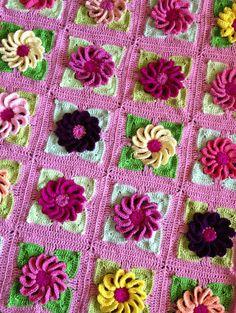 BabyLove Brand Gerbera Daisy Floral Patchwork por BabyLoveBrandKids, $110.00
