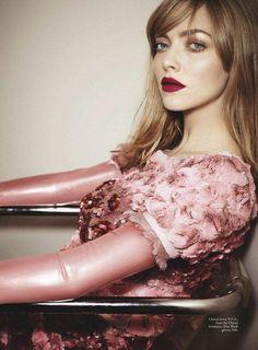 Photography: Emma Summerton Styled by: Christine Centenera Hair:Danilo Makeup: Pati Dubroff Talent: Amanda Seyfried