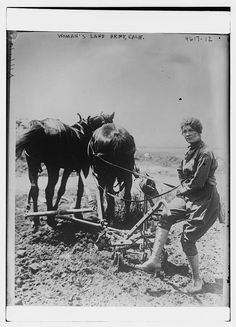 https://flic.kr/p/HUYxmB | Woman's Land Army, Calif. (LOC) | Bain News Service,, publisher.  Woman's Land Army, Calif.  [between ca. 1915 and ca. 1920]  1 negative : glass ; 5 x 7 in. or smaller.  Notes:  Title from data provided by the Bain News Service on the negative. Forms part of: George Grantham Bain Collection (Library of Congress).  Format:  Glass negatives.  Rights Info:  No known restrictions on publication.  Repository:  Library of Congress, Prints and Photographs Division…