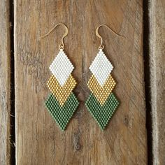 BO GAIA KHAKI and gold-plated Miyuki beads sewn by handThe Effective Pictures We Offer You About beaded earrin Seed Bead Jewelry, Bead Jewellery, Seed Bead Earrings, Diy Earrings, Hoop Earrings, High Jewelry, Tassel Earrings, Rose Necklace, Bead Jewelry