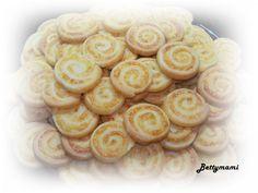 Sajtos tekercs | Betty hobbi konyhája Vaj, Hobbit, Cereal, Breakfast, Recipes, Food, Morning Coffee, Essen, Eten