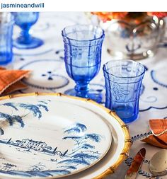 Beautiful Blue and White Table Decor