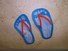 I am in absolute love with these footprint flip-flops that my friends Tracie and Andrea did with the babies in their class. What a cute ...