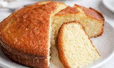 farinha de coco - Pesquisa Google Coconut Cake Easy, Lemon And Coconut Cake, Baking Recipes, Cake Recipes, Dessert Recipes, Desserts, Coconut Recipes, Food Cakes, Cupcakes
