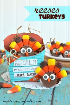 Reese's Turkeys - two Reese's cups and candy corn make these cute turkeys  http://www.insidebrucrewlife.com