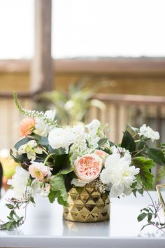 Intimate + Romantic Dallas Spring Wedding Gallery - Style Me Pretty Short Centerpieces, Floral Centerpieces, Centrepieces, Geometric Wedding, Floral Wedding, Wedding Flowers, Spring Wedding, Our Wedding, Blush Color Palette