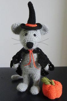 Mouse and Pumpkin. Halloween gift. Crochet toy decor. OOAK. Stuffed Animals, Amigurumi, Made to order