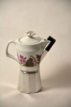 Cafetera valira aluminio color y jarrita de porcelana 9 for Porcelana italiana