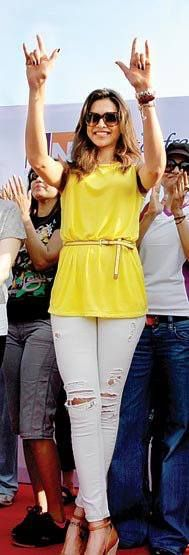 Deepika Padukone in a nice yellow top.