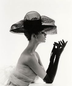 The beautiful Jean Shrimpton ~ and an amazing hat!