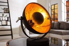 Stolová lampa Austin S - čiernozlatá Or Noir, Style Retro, Unique Lighting, Metal Furniture, Retro Design, Gold Leaf, Living Room Decor, Studios, Interior Decorating