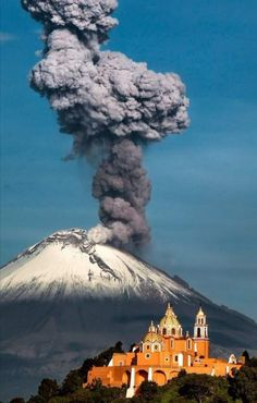 Popocatepetl volcano, near the capital Mexico City Mexico Country, Earth From Space, World Pictures, Natural Phenomena, Mexico Travel, Our Lady, Mexico City, Places Around The World, Mother Earth
