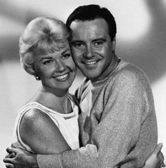It Happened to Jane Doris Day Jack Lemmon ~ Love this film, think it is one of her best, very underrated! Jack Lemmon, Classic Movie Stars, Classic Movies, Vintage Hollywood, Classic Hollywood, Hollywood Icons, Hollywood Stars, Hollywood Images, Doris Day Movies