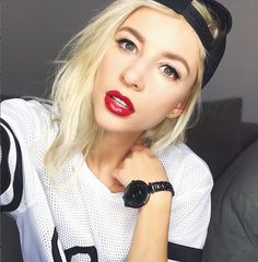 @evelinabarry wearing the Gunmetal-Black Dial Sicily Watch #lamercollections