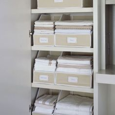 How To Organize Your Sheets | organizingmadefun.com